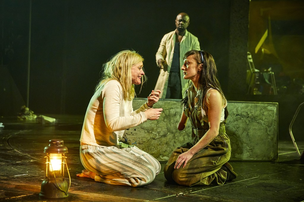 macbeths decisions Throughout shakespeare's tragic play of macbeth, macbeth makes several bad decisions macbeth's character traits are the driving forces in this mental deterioration.